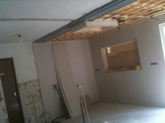 Voorbereidingen voor keuken in aanbouw woning
